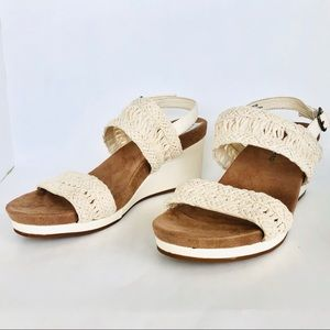 Lucky Brand Sandals Size 7.5 M. Cream wedges.